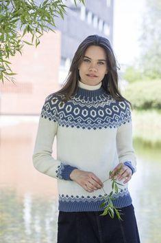 Beret, Turtle Neck, Sweaters, Design, Fashion, Threading, Moda, Berets, Fashion Styles