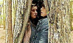Carl and enid The Walking Ded, Walking Dead Season 6, Walking Dead Tv Show, Carl E Enid, Katelyn Nacon, Top Tv Shows, Get A Girlfriend, Chandler Riggs, Carl Grimes