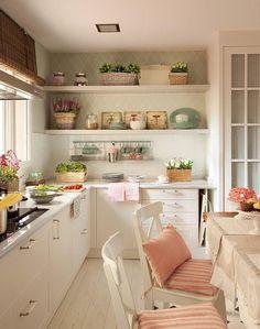 Romantismo na cozinha.  http://www.decorfacil.com/55-cozinhas-em-l/