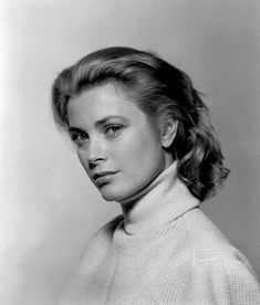 Patrick Humphreys : Photo Grace Kelly aged 24, photographed by Philippe Halsman, 1954.