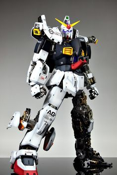 PG 1/60 RX-178 Gundam Mk-II Modeled by Suny Buny CLICK HERE TO VIEW FULL POST...