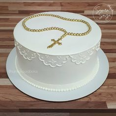 Baptism Party Decorations, First Communion Decorations, 30th Birthday Decorations, First Communion Cakes, Mickey And Minnie Cake, Bolo Minnie, Baby Dedication Cake, Comunion Cakes, Christian Cakes
