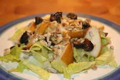 Fig, Pear, and Walnut Salad - This salad is one of my favorites for the Daniel Fast. The flavors go so well together. You'll love this recipe! www.ultimatedanielfast.com