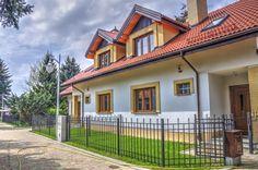 Piękne domy, Osada Świerkówka k/Warszawy Home Fashion, Mansions, House Styles, Home Decor, Decoration Home, Manor Houses, Room Decor, Villas, Mansion
