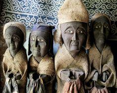 Examples of the highly-expressive effigies, or tau tau, of the Torajan people of south Sulawesi, Indonesia. Java, Maluku Islands, Banda Aceh, Indonesian Art, Borobudur, East Indies, Singapore Travel, Tau Tau, Effigy