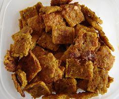 the green mutt: Healthy Organic Dog Treats You Can Make Yourself Gluten Free Dog Biscuit Recipe, Dog Biscuit Recipes, Dog Treat Recipes, Dog Food Recipes, Homemade Dog Treats, Healthy Dog Treats, Healthy Eats, Sweet Potato Dog Treats, Organic Dog Treats