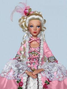 About Marie Antoinette: Marie Antoinette (Madame Alexander)