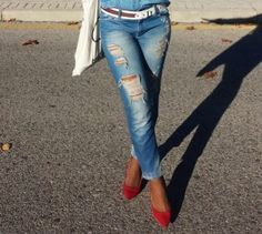 DENIM TOTAL LOOK | Living in the Closet by Linda Style Elle Blogs, Skinny Jeans, Denim, Pants, Closet, Style, Fashion, Skinny Fit Jeans, Moda