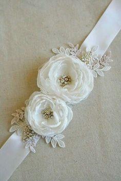 off White Lace and Ribbon Bow design elasticizzato giarrettiera da sposa