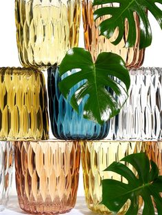 Tactile and aesthetic effect: Jelly vase! #interiordesign #malfattistore #object #kartell #vase
