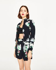 Image 5 of SHORT JACKET WITH FLORAL PRINT from Zara
