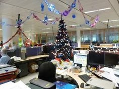 Home decor Corporate office decor. Innovative Christmas decoration ideas for your corporate office. Office Christmas Decorations, Hanging Christmas Lights, Christmas House Lights, Diwali Decorations, Christmas Door, Simple Christmas, Halloween Decorations, Merry Christmas, House Decorations