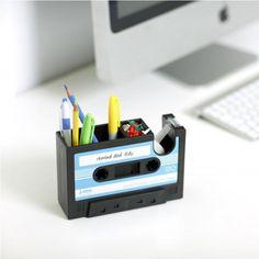 Schreibtischhelfer im Kassetten-Design | #büro #office www.radbag.de #workplace #arbeitsplatz