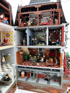 This LEGO House of Horrors is terrifying and brilliant. Love all the movie and TV scenes hidden amongst the details. See which ones you find! Lego Haunted House, Lego Universe, Lego Halloween, Lego Furniture, Lego Construction, Lego Modular, Lego Room, Horror House, Cool Lego Creations