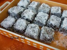 Once Upon a Bite: Chionati (Snow White) - Cake with chocolate and coconut topping Easy Sweets, Sweets Recipes, Candy Recipes, Cooking Recipes, Greek Sweets, Greek Desserts, Greek Recipes, Coconut Deserts, Yogurt Cake