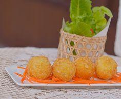 Préparation : 1. Séparez les blancs des jaunes d'œufs. Découpez en dés le Saint-Marcellin. Égouttez la ricotta. 2.Mélangez à la fourchette le Saint-Marcellin avec la ricotta et les jaunes d'œufs, …