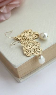 Lace Filigree Gold Earrings Swarovski Ivory Pearl