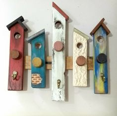 Rustic Wood Crafts, Wood Block Crafts, Wooden Projects, Wooden Crafts, Diy Projects, Cork Crafts, Diy And Crafts, Bird Houses Diy, Reclaimed Barn Wood