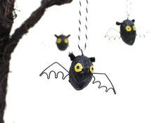 Fledermäuse aus Erdnüssen basteln - Halloween basteln