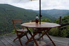 Localizada no Talasnal, cartão de visita das Aldeias do Xisto. A Casa da Urze , é o local ideal para descansar e estar em contacto com a natureza. 5 ou 7 noites para até 2 pessoas, desde 179€. - Descontos Lifecooler