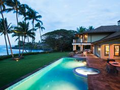 Luxury Homes in Paia