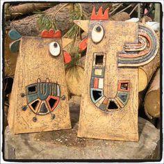 Břehule a Břeh Slepička Břehule a kohoutek Břeh. Kameninové zahradní lampy. Výška asi 33 cm. Cena za Břehulku a Břeha dohromady