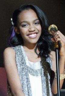 China Anne McClain (ANT Farm, Grown Ups, House of Payne) she's such a cute young girl China Mclain, China Anne Mcclain, Disney Channel Stars, Disney Stars, Tv Show Music, Cute Young Girl, Pretty Black Girls, Role Models, Wicked
