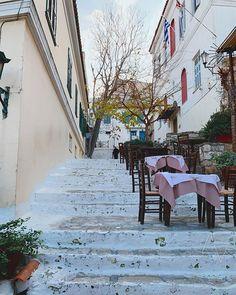 Μενα πρωινό καφεδάκι Πλάκα/Αναφιώτικα ξεκινά υπέροχα η μέρα Athens, Places To Visit, Instagram, Athens Greece