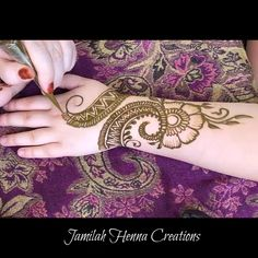 18 Ideas Bridal Henna Mehndi Mehandi Designs For 2019 Henna Hand Designs, Mehandi Designs, Mehndi Designs For Beginners, Bridal Henna Designs, Bridal Mehndi Designs, Mehndi Designs For Hands, Simple Mehndi Designs, Henna Tattoo Designs, Floral Henna Designs