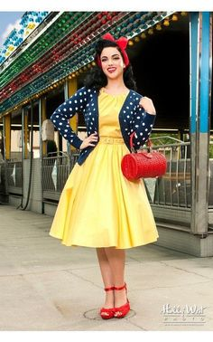Cool 46 Best Vintage Rockabilly Fashion Outfits Style Ideas. More at https://simple2wear.com/2018/05/26/46-best-vintage-rockabilly-fashion-outfits-style-ideas/