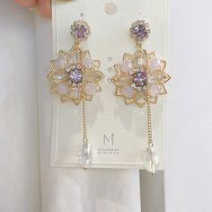Ear Jewelry, Cute Jewelry, Crystal Jewelry, Jewelry Accessories, Jewelry Design, Jewlery, Kpop Earrings, Fashion Earrings, Fashion Jewelry