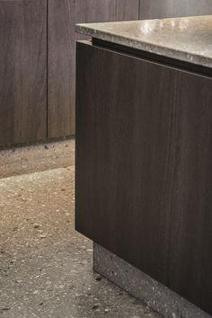 Aggloceppo terrazzo tiles & by Bomarbre Terrazo Flooring, Kitchen Interior, Kitchen Design, Conservatory Kitchen, Dark Wood Kitchens, Terrazzo Tile, Boffi, Kitchen Chandelier, Kitchen Flooring