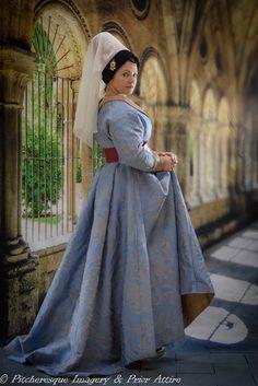 burgundian dress in silk/linen brocade, www.priorattire.co.uk