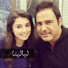 صورة ماريتا الحلاني في طفولتها ترقص على المسرح مع أبيها www.layalina.com