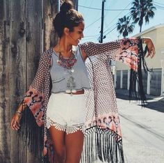 This Stylish bohemian boho chic outfits style ideas 27 image is part from 120 Stylish Casual Bohemian Boho Chic Outfits Style Ideas gallery and article, click read it bellow to see high resolutions quality image and another awesome image ideas. Boho Chic, Bohemian Mode, Bohemian Style, Bohemian Outfit, Outfits 2016, Chic Outfits, Summer Outfits, Fashion Outfits, Fashion Shorts