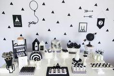 festa geométrica preto e branca para meninos.
