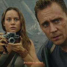 Tom Hiddleston & Brie Larson's 'Kong: Skull Island' Trailer Debuts – Watch Now! Watch the very first trailer for Kong: Skull Island, which just debuted during the panel at 2016 Comic-Con! Here's a synopsis of the film: a diverse team of… New Movies, Movies To Watch, Good Movies, Movies Showing, Movies And Tv Shows, Skull Island, Film Review, About Time Movie, King Kong