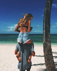 Imagem de couple, love, and beach