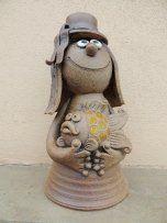 Michaela Lindovská | Galerie V-ATELIER - #Galerie #Lindovská #Michaela #VATELIER Bird Doodle, Michaela, Garden Sculpture, Doodles, Outdoor Decor, Biscuit, Pasta, Cakes, Design