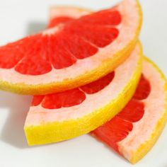 Grapefruit: I'm definitely not advocating you go on a grapefruit diet, but this citrus fruit is 90 percent water, and since half a grapefruit is only 39 calories, you'll fill up without gaining weight. Pair this with some protein. Grapefruit Recipes, Grapefruit Diet, Healthy Diet Plans, Get Healthy, Healthy Eating, Healthy Foods, Weight Gain, How To Lose Weight Fast, Fiber Diet