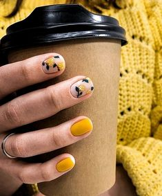 Semi-permanent varnish, false nails, patches: which manicure to choose? - My Nails Minimalist Nails, Stylish Nails, Trendy Nails, Love Nails, My Nails, Nailed It, Manicure E Pedicure, Manicure Ideas, Short Nail Manicure