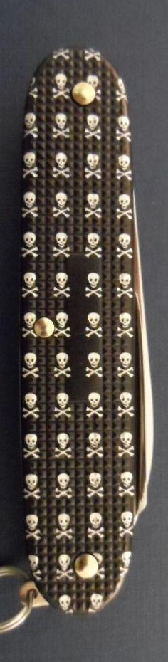 Victorinox Pioneer Skull & Bones