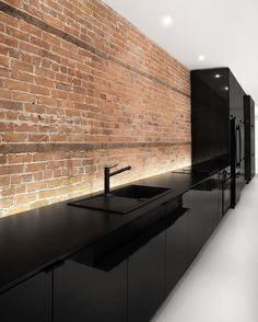 I have never seen an all-black kitchen like this before & honestly I am in love! It's sleek & crisp, and it's just so beautiful!