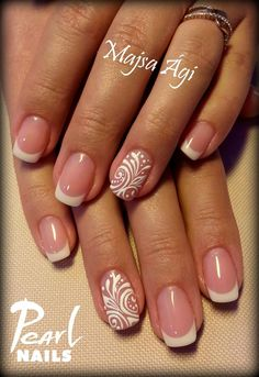Simple & beautiful french nails from Ági Majsa French Manicure Nails, French Tip Nails, Jolie Nail Art, French Nail Art, Bride Nails, Get Nails, Fabulous Nails, Stylish Nails, Creative Nails