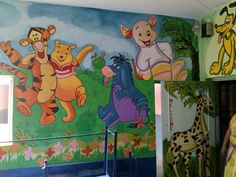 play school cartoon drawing artistic work done by best painting contractor in jaipur. play school painting service provide by jaipur putai wala.