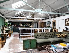 For Sale via Warehouse Home is this Victorian warehouse, owned by internationally acclaimed sculptor Jeff Lowe, situated in the old market town of Faversham on the Kent coast. Warehouse Home, Living Area, Living Spaces, Industrial Style Kitchen, Industrial Design, Warehouse Conversion, Studios Architecture, Steampunk House, Arquitetura