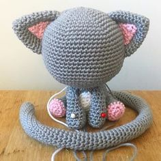 Working on another pattern for Valentines Day crochet amigurumi cat kitty valentinesday kawaii