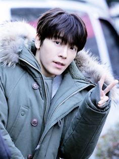 """damnhaehyuk: """" """" [D-619] Waiting for Donghae. """" """""""