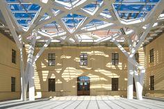Glass Courtyard in Berlin, Germany by Studio Daniel Libeskind 2 Daniel Libeskind, Contemporary Architecture, Architecture Details, Interior Architecture, Chinese Architecture, Futuristic Architecture, Contemporary Design, Jewish Museum Berlin, Jüdisches Museum