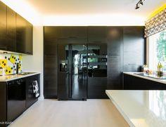 Keittiosuunnittelu Aveo Vaasa Kitchen Island, Table, Furniture, Design, Home Decor, Island Kitchen, Decoration Home, Room Decor, Tables